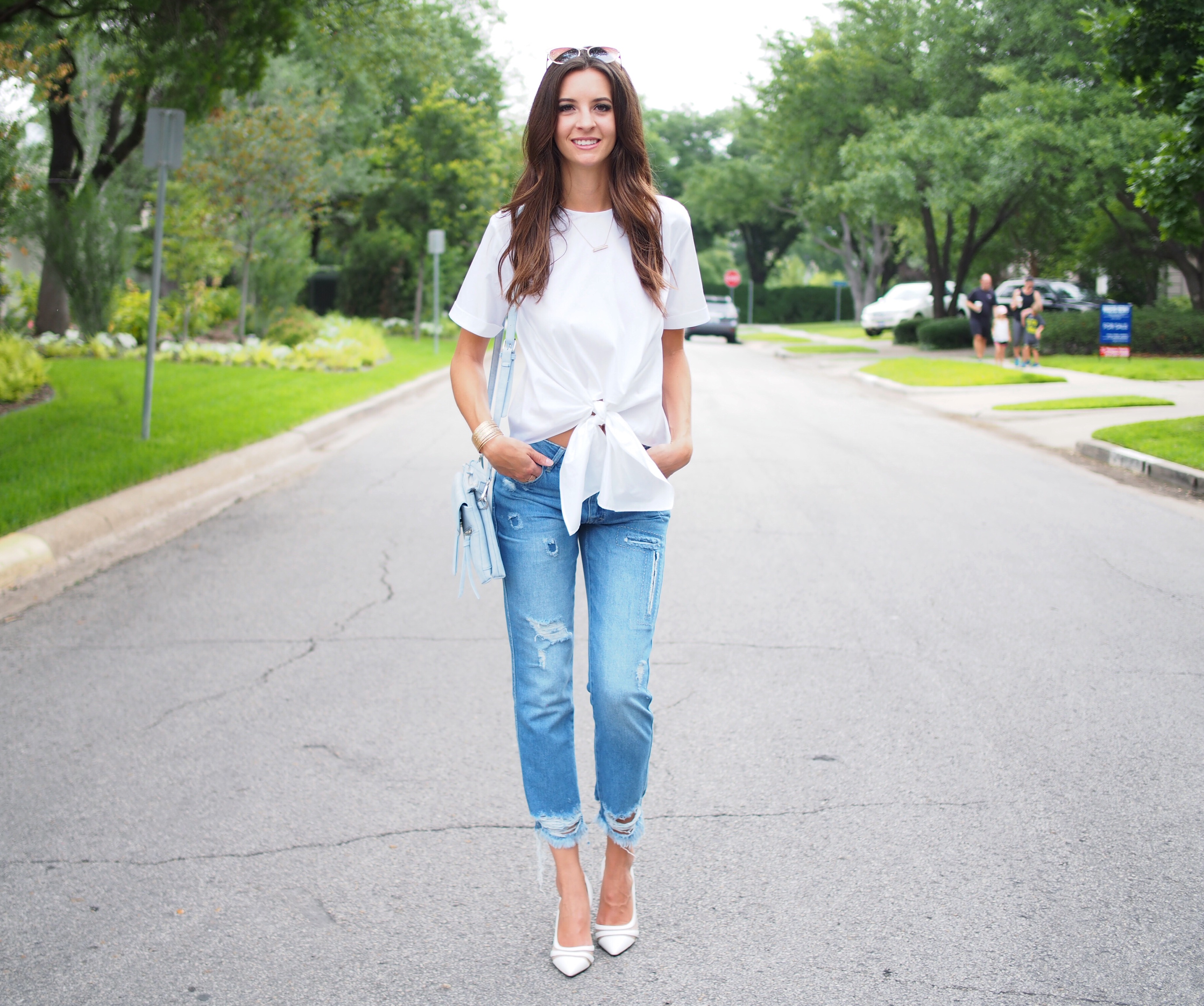 white zara top and jeans3